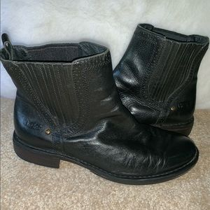 UGG Black Leather Ankle Boots Size 9